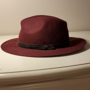 Steve Madden 100% wool burgundy fedora hat